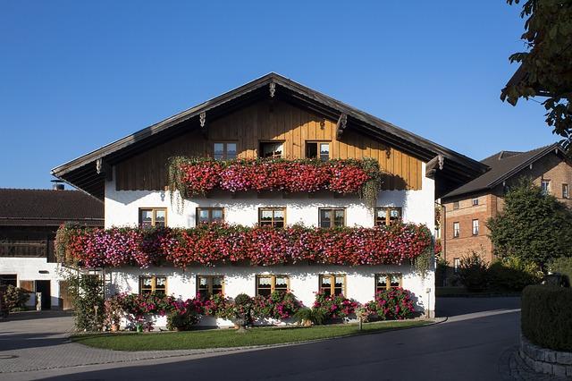květinové dekorace balkonů