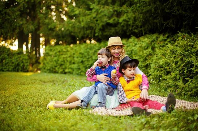 děti na pikniku