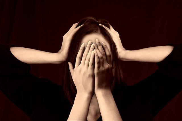 syndrom postihuje nejčastěji lidi středního věku